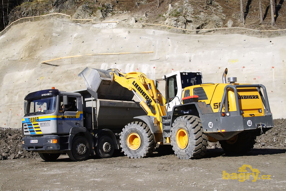 Liebherr L 566 T 2plus2