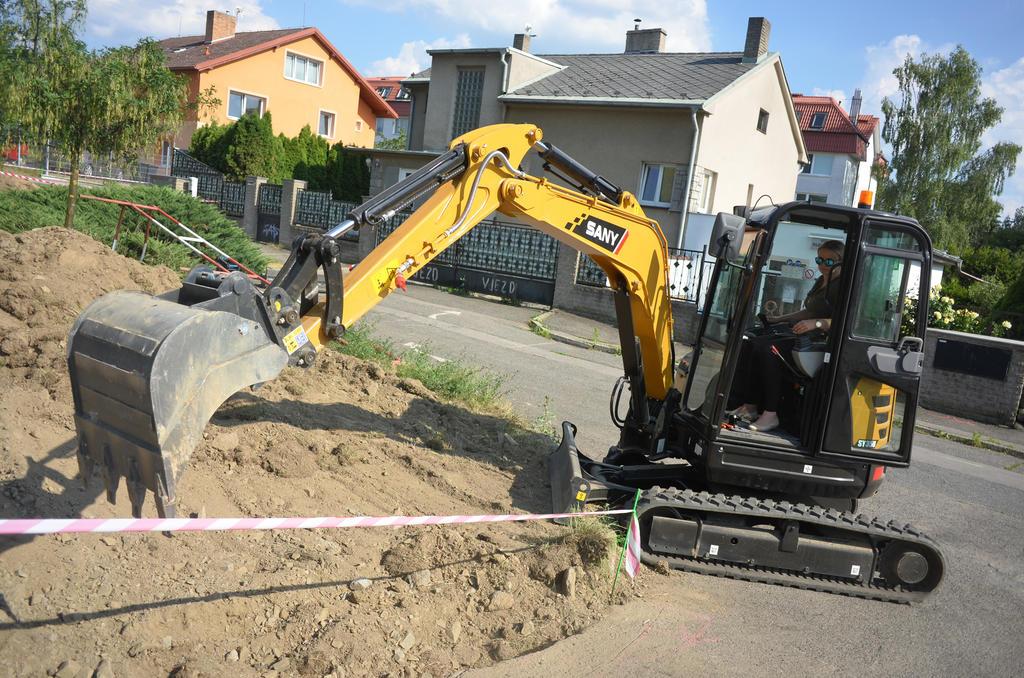 Sany SY35U: Recenze / Recenze / Články / bagry cz - vše o stavebních