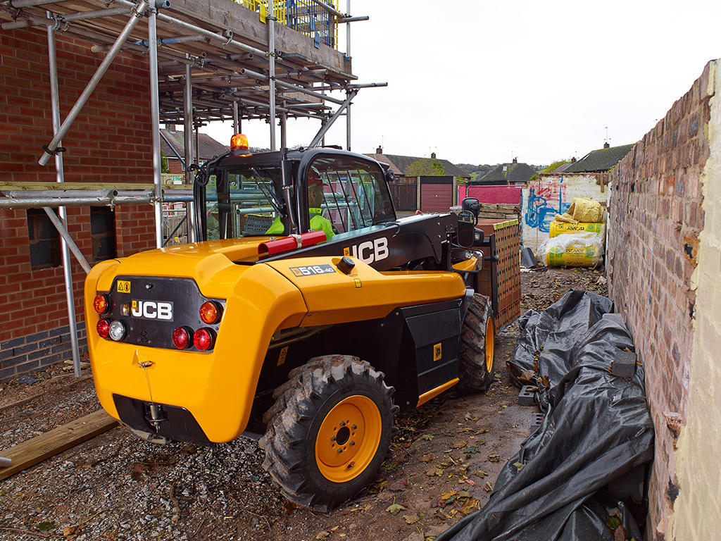 02. JCB Loadall 516-40